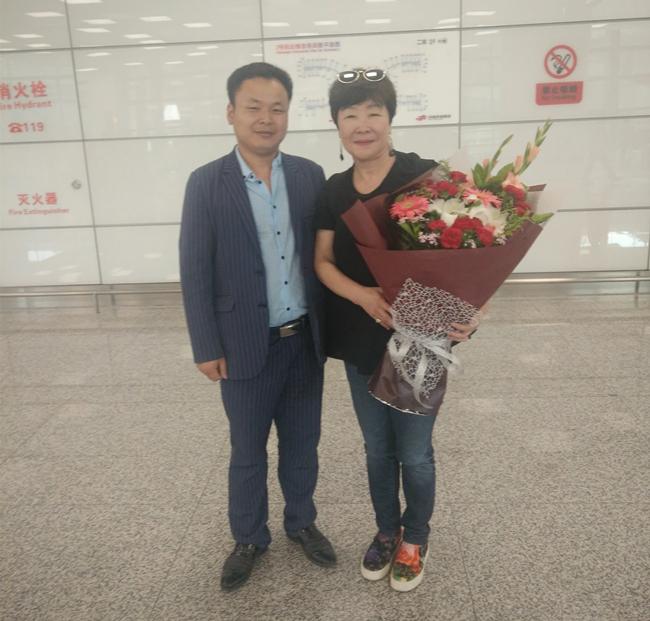 与台湾钢琴家,台湾师范大学教授李娓娓合影