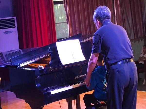 河南大学钢琴专业潘伟教授使用博林达姆钢琴讲学